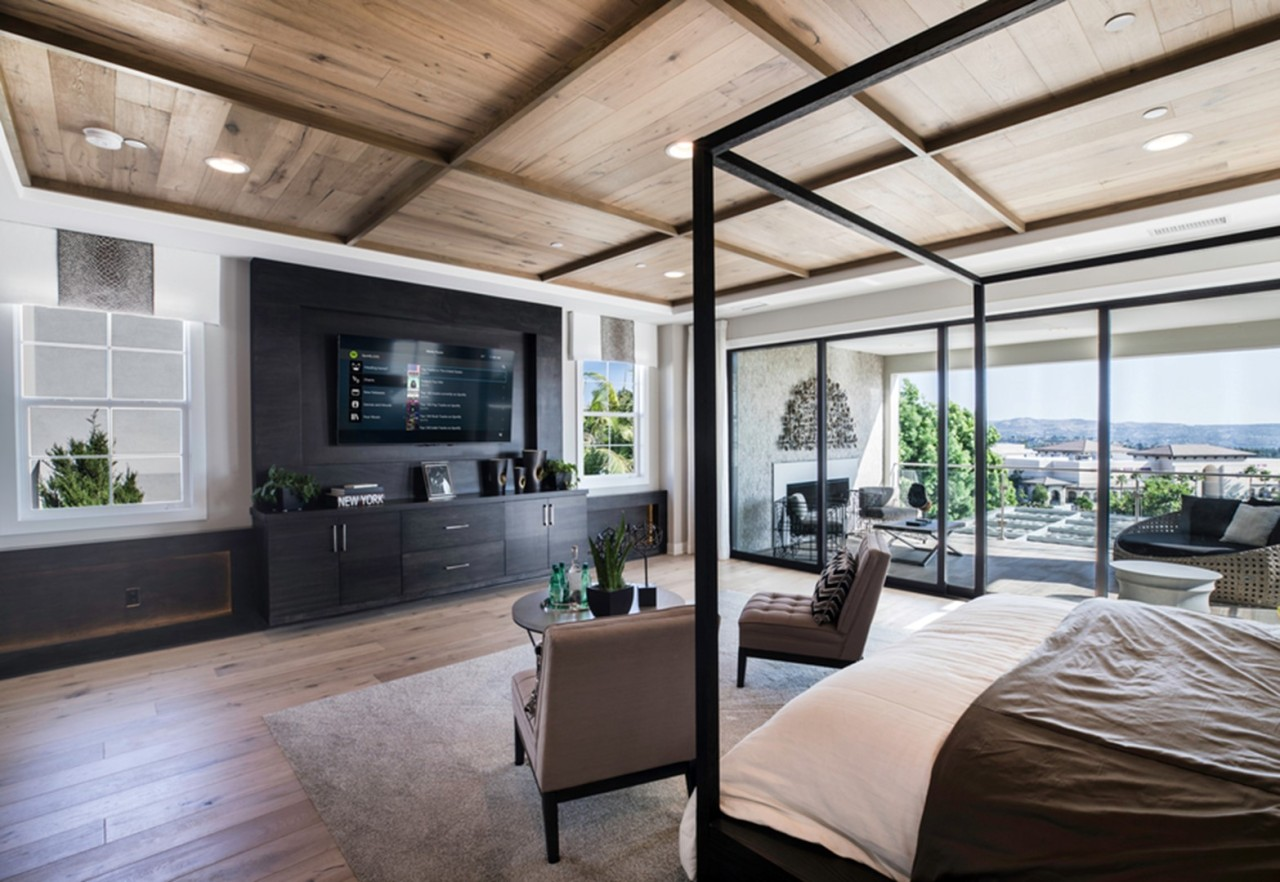 what-does-it-look-like-to-live-in-a-smart-home